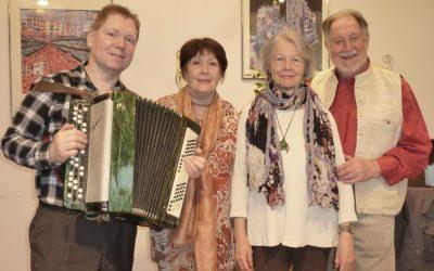Burgschauspieler Helma Gautier, Bruno Thost, Dany Sigel lesen Mundartgedichte von Trude Marzik bei Kursana Wien-Tivoli.
