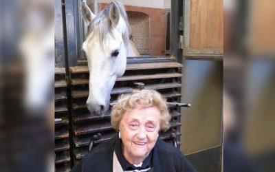 Kursana erfüllte Bewohnerin Herzenswunsch in der Spanischen Hofreitschule